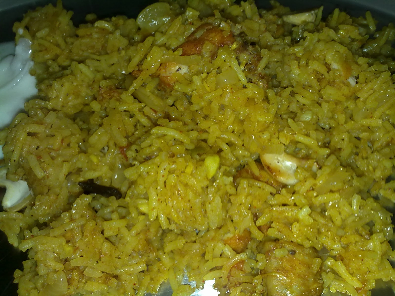 Kerala thani nadan foods majboos arabic chicken biryani hot majboos is ready to serve with vegetable salad and pappad forumfinder Image collections