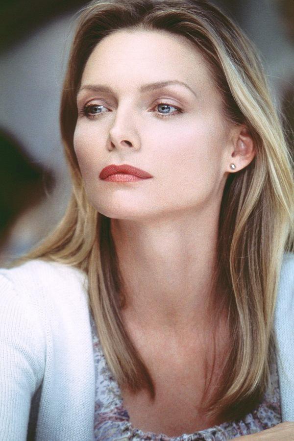 Angelina jolie as a teen