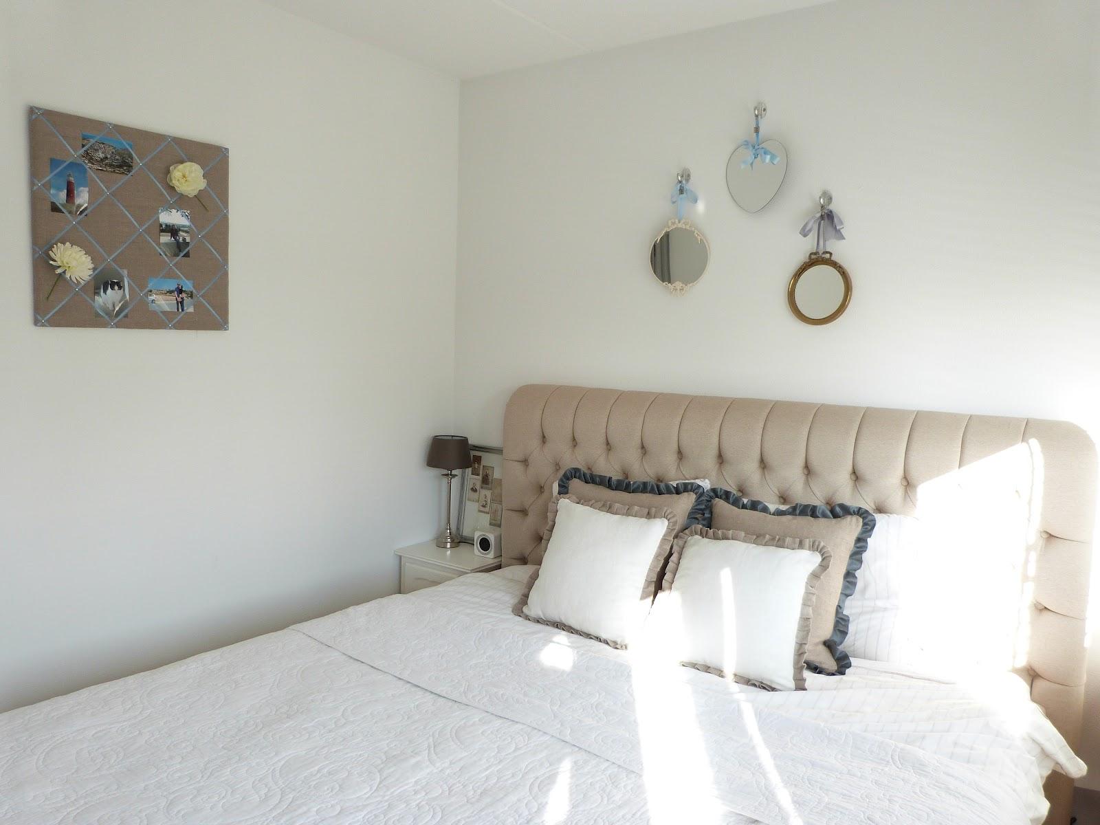 Het brocante schelpenhuisje wit beddengoed for Slaapkamer bed