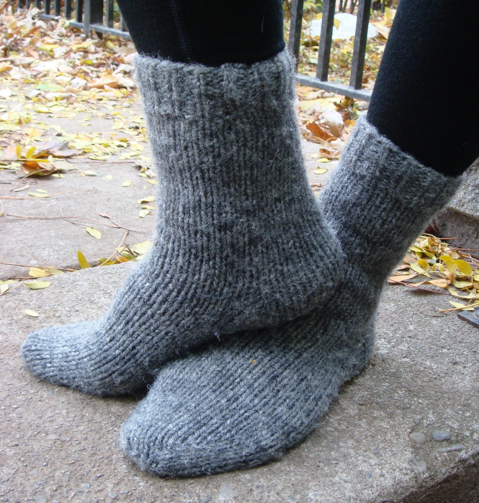 Kate Atherley Knits. A Lot. Mainly Socks.: Tuffy Socks: Free Pattern