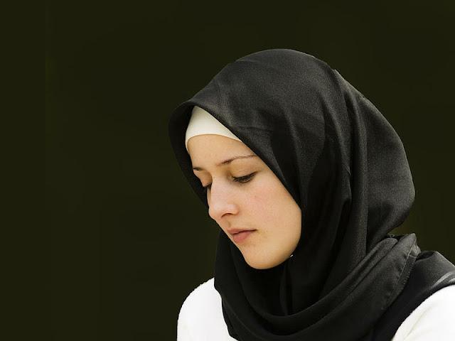Merawat Rambut Bagi Wanita Berjilbab