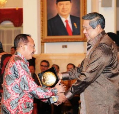 Sumenep Kirab Piala Adipura dan Penghargaan Adiwiyata Mandiri