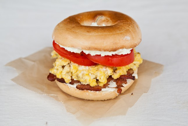 mini bagel breakfast sandwich