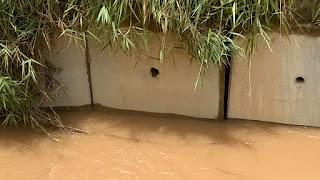 Placas começam a ceder. Problemas estruturais nas obras do rio Principe em Teresópolis RJ