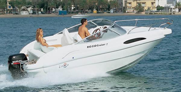 bateau a moteur location