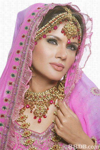 indian wedding hairstyles. indian bridal makeup photos.