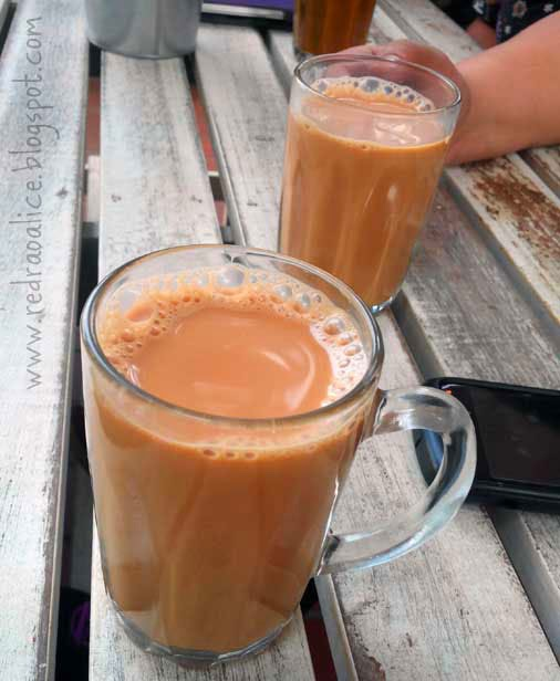 Food lover, foodgasm, Malaysian Cuisine, Malaysian Food, Best food in Malaysia, Travel to Malaysia, What to eat in Malaysia, Food bloggers in Pakistan, Teh tarik, Milk Tea