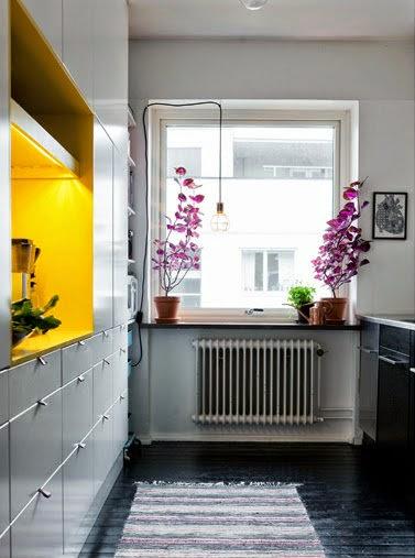 En estado de rachel cocina en fucsia y amarillo for Racholas cocina