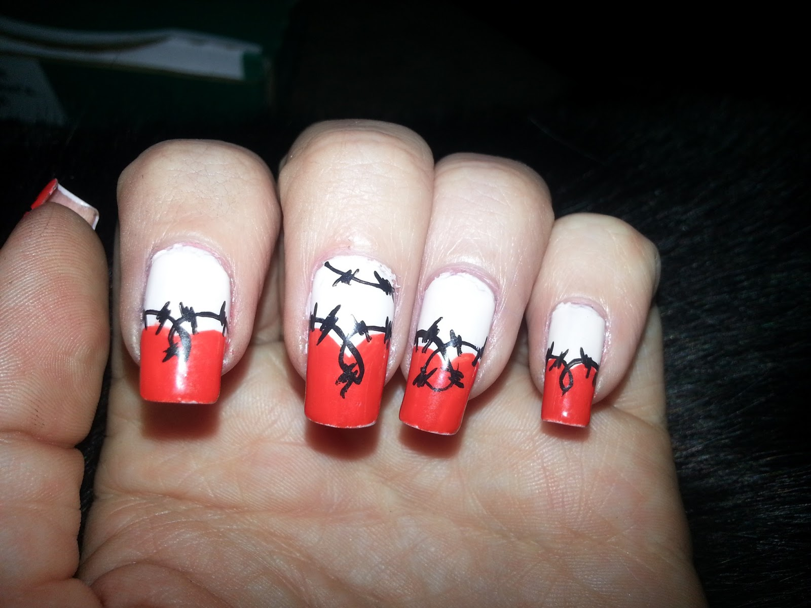 Not Your Mama\'s Nail Art: barbed hearts (last vday design)