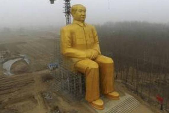 Dikritik hebat di media sosial, Patung emas gergasi Mao terpaksa dirobohkan