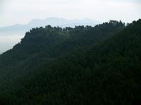 El Castell de la Tossa i Montserrat des del Mirador de les Onze