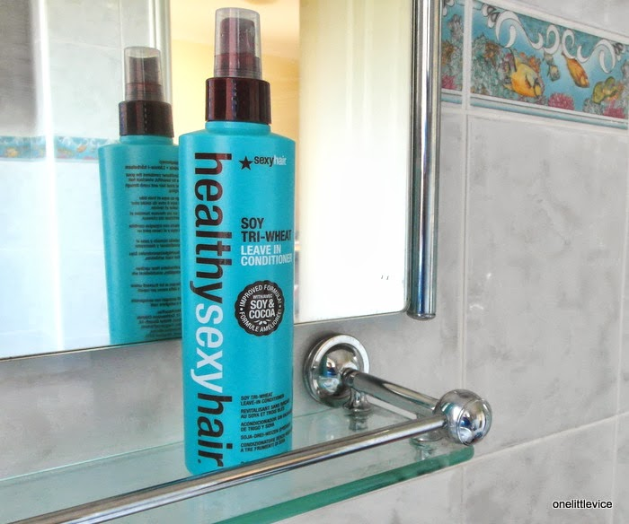 light conditioning hair product for fine hair adds shine smooths defrizzes