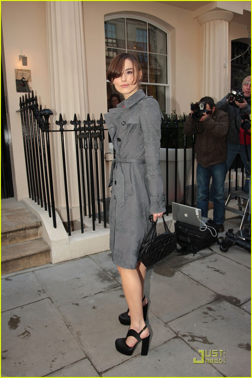 Keira Knightley' Rahat ve Şık Giyim Tarzı