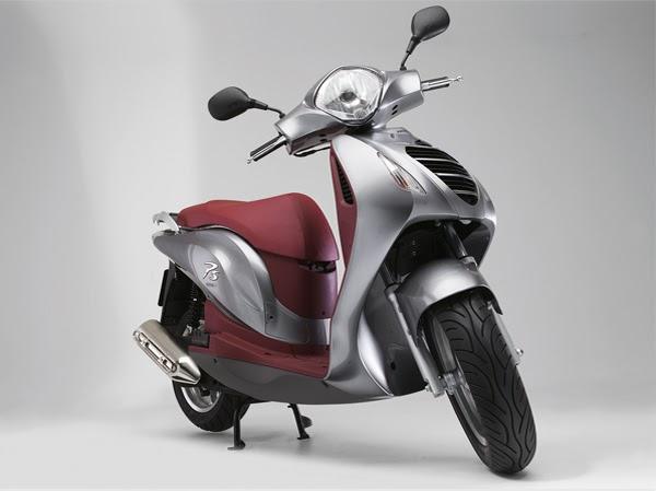 concession scooter honda des scooters adapt s tous pour rouler en s curit. Black Bedroom Furniture Sets. Home Design Ideas