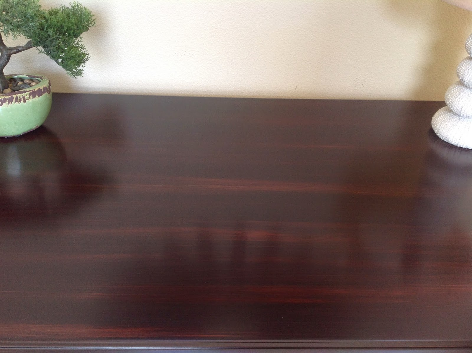 Just wipe on 1-2 thin coats and add beauty to your furniture projects