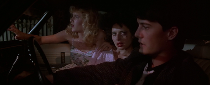 """blue velvet and the elephant essay If you were wondering where the eisenhower-era tinge in """"blue velvet"""" and """"mulholland drive"""" comes from, """"the 1950s,"""" writes mckenna, """"have never really gone away for lynch."""