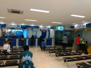 Pelayanan nasabah bank saat sedang sepi
