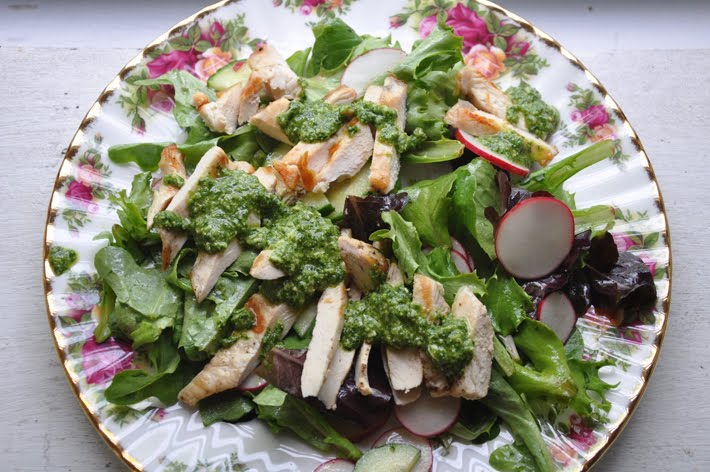 the parsley thief: Grilled Chicken Salad with Tarragon Pesto