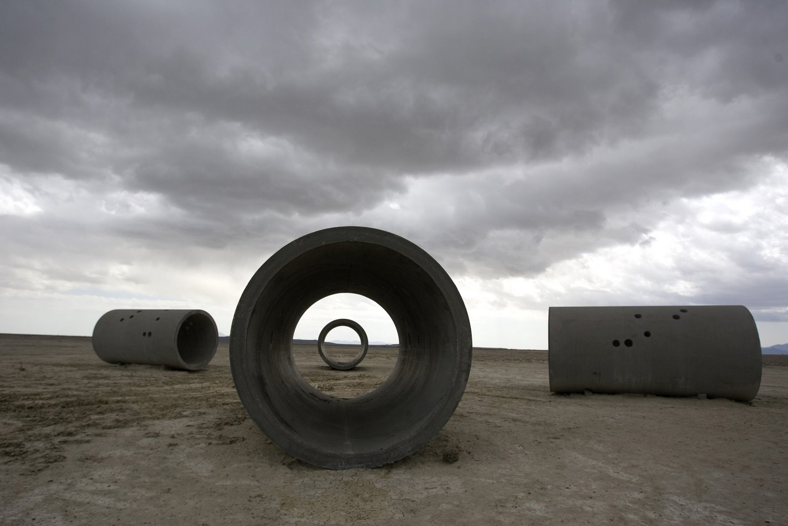 Nancy holt on pinterest sun land art and artists for What is a sun tunnel