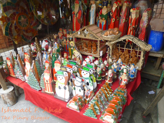 Souvenirs from the shops under Quezon Bridge, Quiapo District