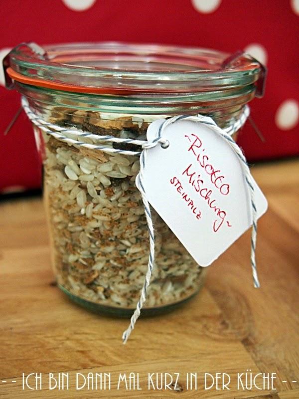 rezepte im glas zum verschenken risotto hausrezepte von beliebten kuchen. Black Bedroom Furniture Sets. Home Design Ideas