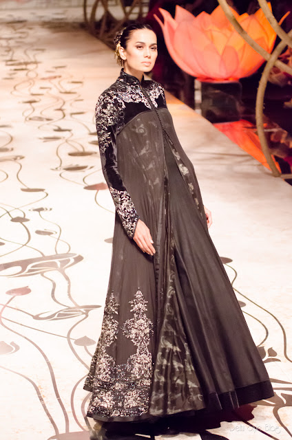 Rohit Bal Sonalika Sahay India Bridal Fashion Week 2013