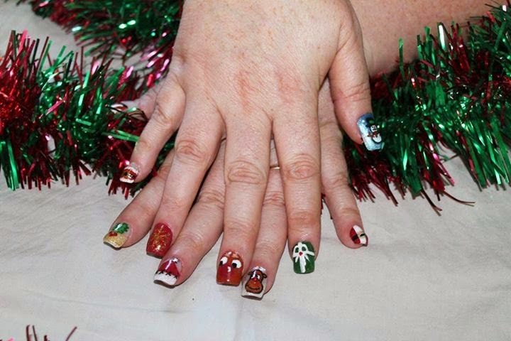 Acrylics, Shellac, UV/LED polish, glitz, nail art Xmas sparkle Lady Cave Needy Nails Taupo
