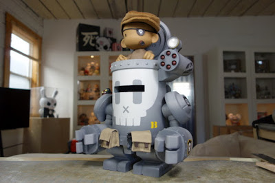 DAME #11 Resin Figure by Huck Gee