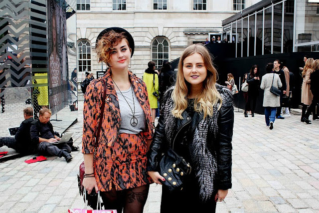 lfw london fashion week ootd all black everything somerset house bright print