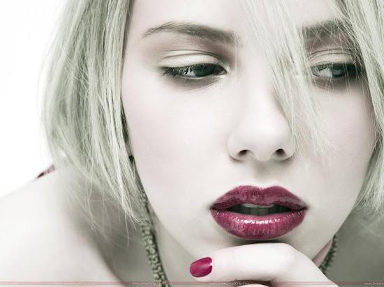 Scarlett_Johansson_universal_hot_lips