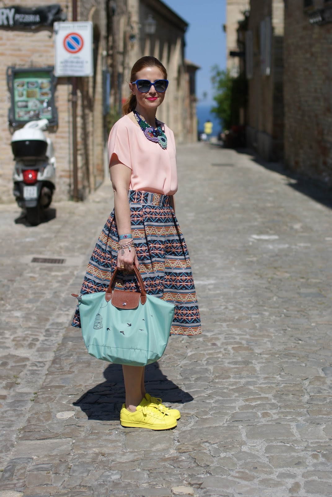 Le Pliage 2015, Longchamp Le Pliage cage aux oiseaux bag, jacquard midi skirt, sneakers and skirt street style, Fashion and Cookies fashion blog