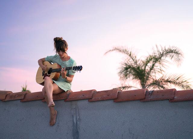 lindsay perry,billabong,musique,love,nixon,surfeuse,chanteuse