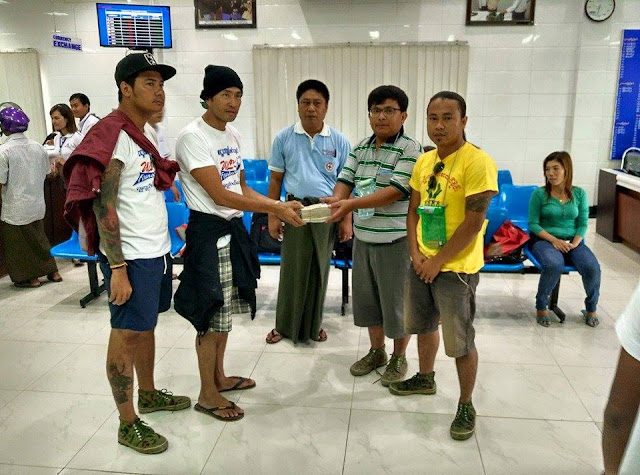 Myanmar Actor Wai Lu Kyaw Helping Myanmar Flood Victims