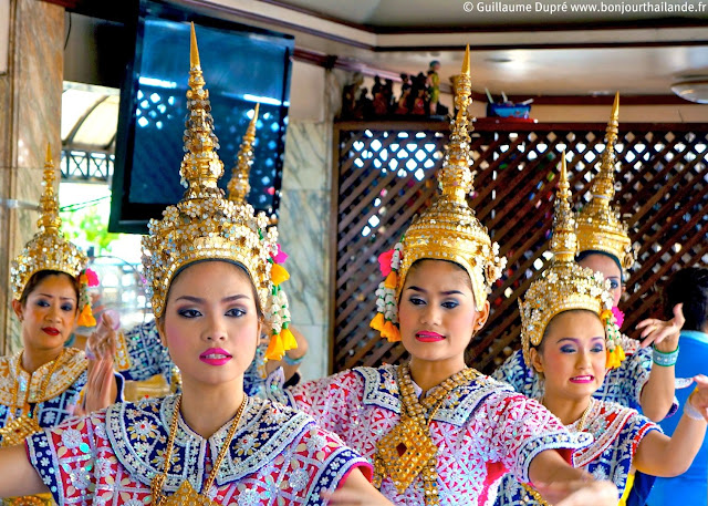 danseuses traditionnelles en Thailande