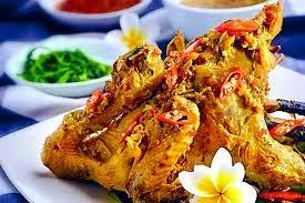 ayam betutu Makanan Khas Indonesia