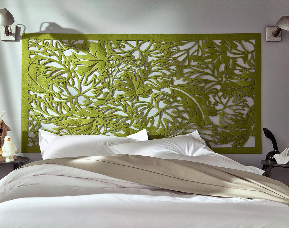 dressing sous pente avec rideaux et autres d co une tr s jolie t te de lit pour 59 euros. Black Bedroom Furniture Sets. Home Design Ideas