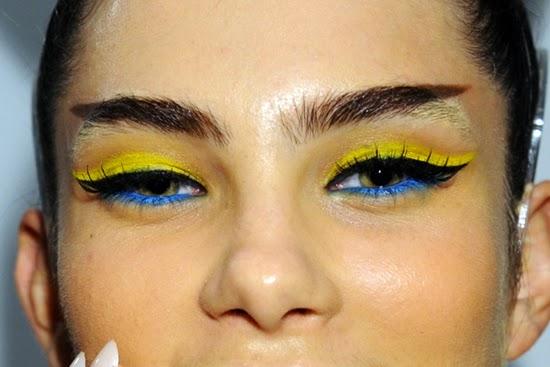 eyeliner 2 warna: tren kecantikan teraneh 2014
