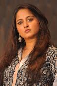 Anushka latest glamorous photos-thumbnail-24