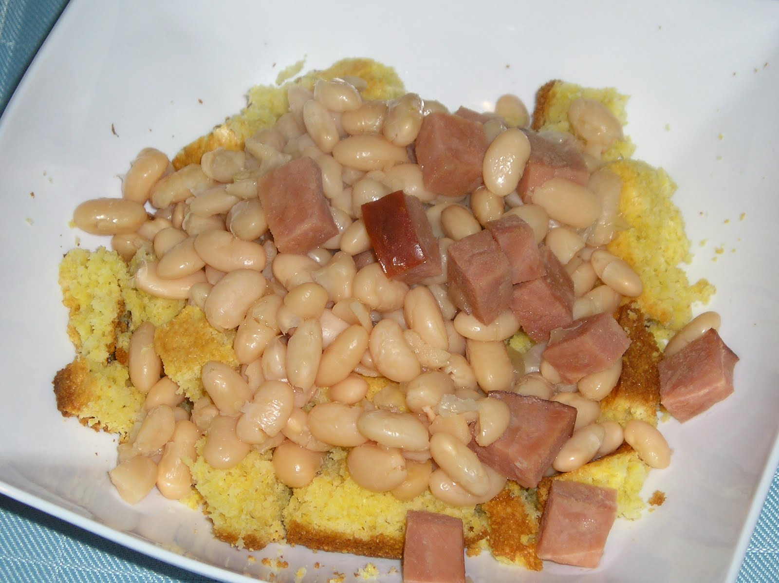 Slow Cooker Ham and Beans ~ Edesia's Notebook