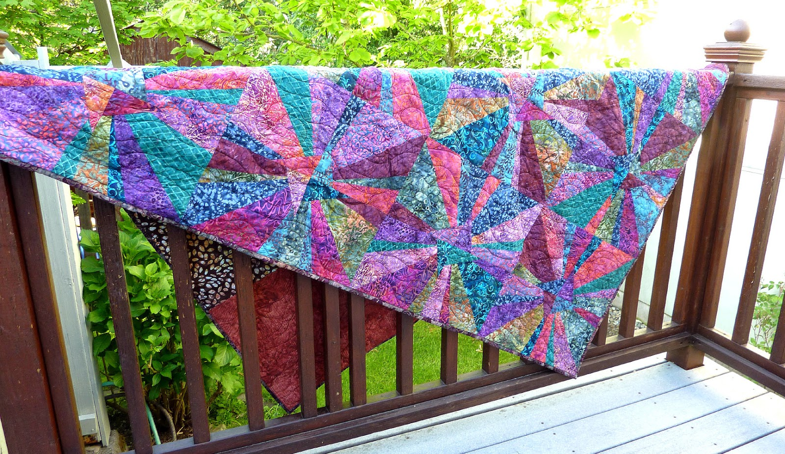 Busy Bee No 16 16 Months Later The Super Nova Quilt Is Done