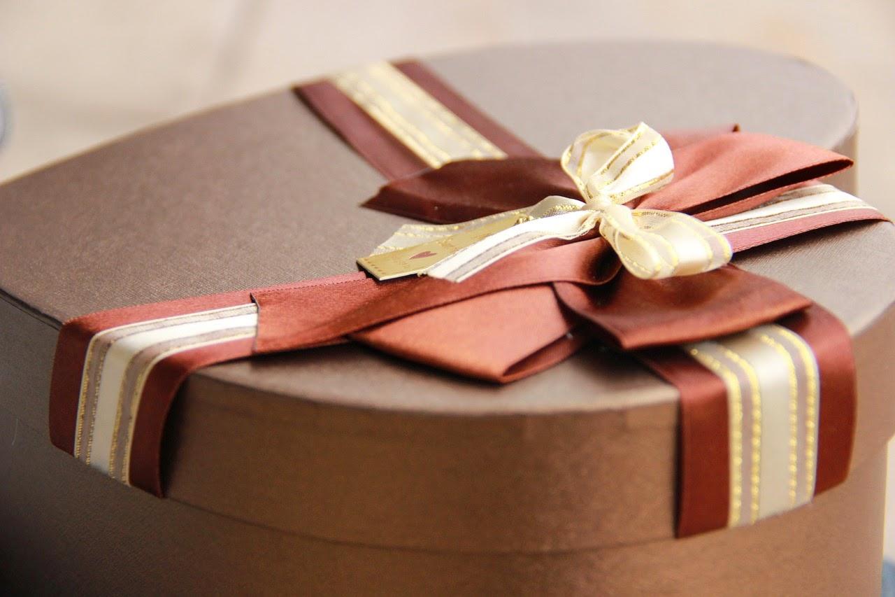 present, gåva, födelsedagspresent, dopgåva