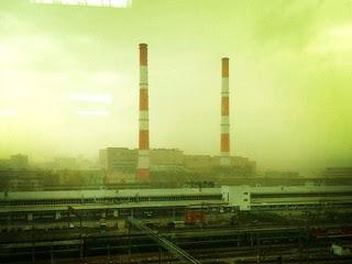 Mistério: Céu de Moscou, na Rússia, fica verde e assusta a população