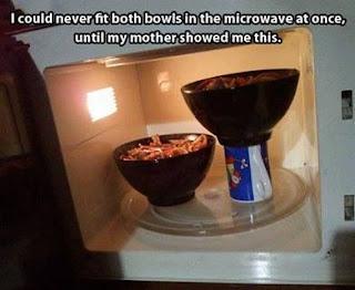 http://2.bp.blogspot.com/-4gvqDUmFNYU/UiFRHMzuhkI/AAAAAAAABPU/Plnn7jKVhNE/s320/fit-two-bowls-in-the-microwave.jpg