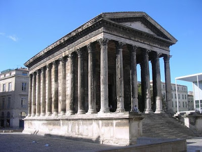 Arquitectura romana - Parte 1, La Arquitectura Romana, Maison Carrée de Nîmes, arco de medio punto