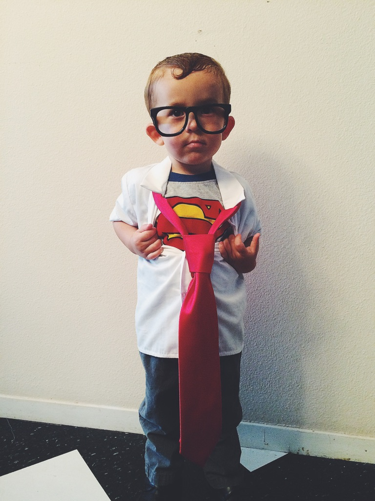 So much time so little to do diy costume extravaganza the first costume is clark kent turning into superman he had all of the materials in his wardrobe already and it was just a matter of putting it all solutioingenieria Gallery