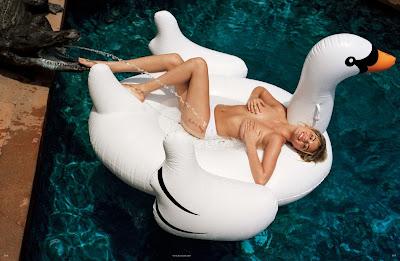 Kate+Upton+Vogue+Germany+magazine+January+2013+3