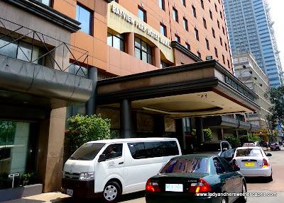 facade of BayView Park Hotel Manila