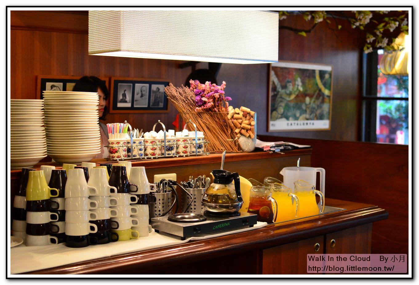 飲料吧台茶水 + 果汁