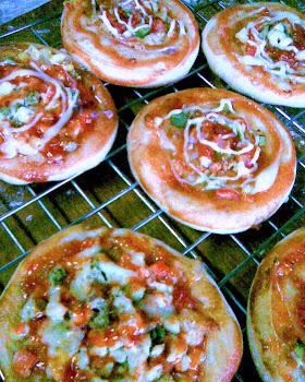tempahan roti dan pizza!!