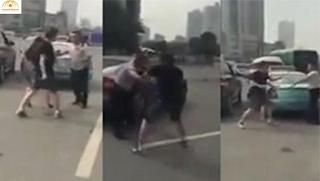 سائق تاكسي قام بالتحرش بهذه الفتاة شاهد ماذا فعلت به هي وصديقها !